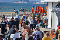 BNPS.co.uk (01202 558833)<br /> Pic: BNPS<br /> <br /> Weather input - Warm weather in Bournemouth<br /> <br /> People made the most of the late September sun at Bournemouth beach in Dorset today (Sunday).