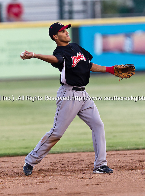 El Paso Diablos 2nd Base Maikol Gonzalez (16) in action during the American Association of Independant Professional Baseball game between the El Paso Diablos and the Fort Worth Cats at the historic LaGrave Baseball Field in Fort Worth, Tx. El Paso defeats Fort Worth 6 to 1.