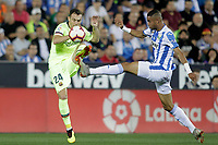 CD Leganes' Youssef En-Nesyri (r) and FC Barcelona's Thomas Vermaelen during La Liga match. September 26,2018. (ALTERPHOTOS/Acero)<br /> Liga Campionato Spagna 2018/2019<br /> Foto Alterphotos / Insidefoto <br /> ITALY ONLY