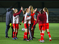 Standard players give each other a high five before during a female soccer game between Oud Heverlee Leuven and Standard Femina De Liege on the 10th matchday of the 2020 - 2021 season of Belgian Womens Super League , sunday 20 th of December 2020  in Heverlee , Belgium . PHOTO SPORTPIX.BE | SPP | SEVIL OKTEM