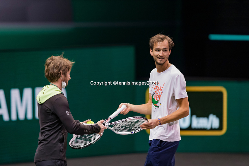 Rotterdam, The Netherlands, 3 march  2021, ABNAMRO World Tennis Tournament, Ahoy, : Practise, Danill Medvedev (RUS) with coach Gilles Cervara.<br />
