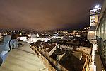 Blick auf die Altstadt (Baixa), den Praca do Rossio und den Elevador de Carmo (auch Santa Justa) in Lissabon, Portugal