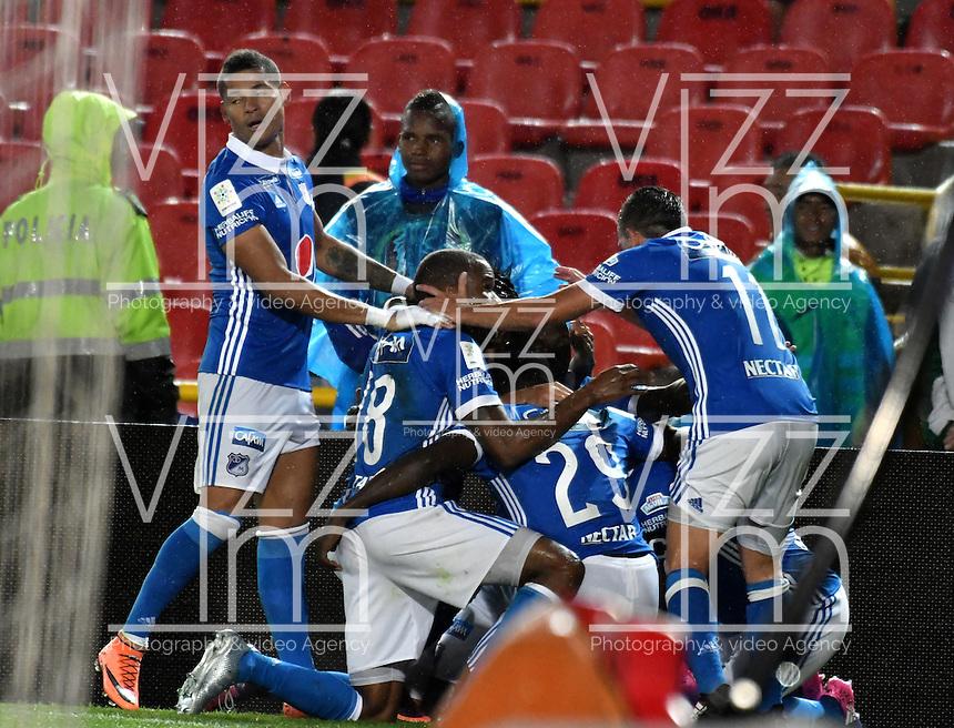 BOGOTA - COLOMBIA - 12 - 02 - 2017: Los jugadores de Millonarios, celebran el gol anotado Atletico Bucaramanga, durante partido de la fecha 3 entre Millonarios y Atletico Bucaramanga, de la Liga Aguila I-2017, jugado en el estadio Nemesio Camacho El Campin de la ciudad de Bogota.  / The players of Millonarios celebrate the scored goal to Atletico Bucaramanga, during a match between Millonarios and Atletico Bucaramanga, for the date 3 of the Liga Aguila I-2017 played at the Nemesio Camacho El Campin Stadium in Bogota city, Photo: VizzorImage / Luis Ramirez / Staff.