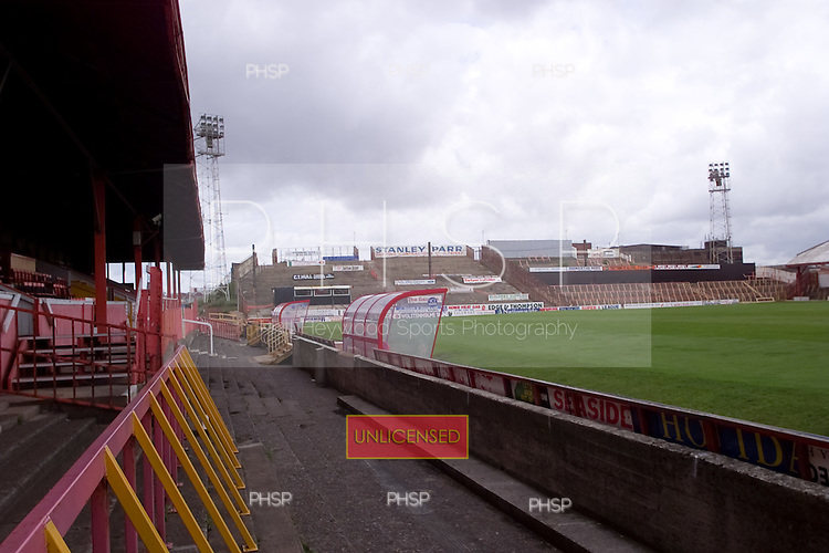 23/06/2000 Blackpool FC Bloomfield Road Ground..Kop viewed from west paddock.....© Phill Heywood.