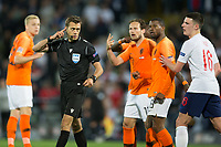 Guimaraes, Portugal - Thursday, June 6, 2019: Clement Turpin checks the VAR. Netherlands beat England 3-1 in overtime to reach the final of UEFA Nations League 2019 at D. Afonso Henriques Stadium in Guimaraes.