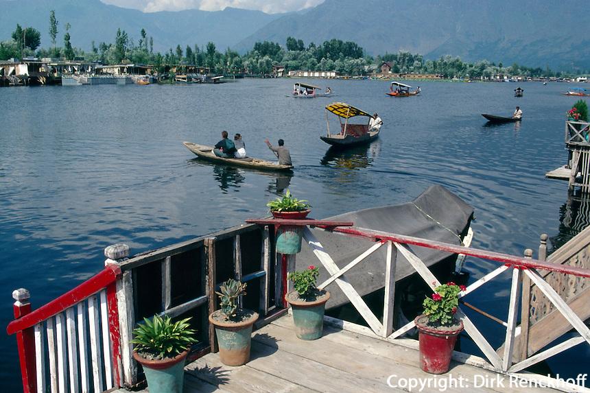 Boote auf dem Dal-See in Srinagar (Kashmir), Indien