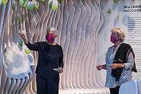 Wiedereroeffnung des Juedischen Muesum in Berlin.<br /> Im Bild vlnr.: Hetty Berg, Direktorin des Juedischen Museums Berlin und Kulturstaatsministerin Monika Gruetters unter einem Wunschbaum. <br /> 18.8.2020, Berlin<br /> Copyright: Christian-Ditsch.de<br /> NUR FUER REDAKTIONELLE ZWECKE! Werbung nur auf Anfrage beim Fotografen. [Inhaltsveraendernde Manipulation des Fotos nur nach ausdruecklicher Genehmigung des Fotografen. Vereinbarungen ueber Abtretung von Persoenlichkeitsrechten/Model Release der abgebildeten Person/Personen liegen nicht vor. NO MODEL RELEASE! Don't publish without copyright Christian-Ditsch.de, Veroeffentlichung nur mit Fotografennennung, sowie gegen Honorar, MwSt. und Beleg. Konto: I N G - D i B a, IBAN DE58500105175400192269, BIC INGDDEFFXXX, Kontakt: post@christian-ditsch.de<br /> Bei der Bearbeitung der Dateiinformationen darf die Urheberkennzeichnung in den EXIF- und  IPTC-Daten nicht entfernt werden, diese sind in digitalen Medien nach §95c UrhG rechtlich geschuetzt. Der Urhebervermerk wird gemaess §13 UrhG verlangt.]