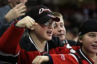Fan der New Jersey Devils<br /> New Jersey Devils vs. Florida Panthers<br /> *** Local Caption *** Foto ist honorarpflichtig! zzgl. gesetzl. MwSt. Auf Anfrage in hoeherer Qualitaet/Aufloesung. Belegexemplar an: Marc Schueler, Am Ziegelfalltor 4, 64625 Bensheim, Tel. +49 (0) 6251 86 96 134, www.gameday-mediaservices.de. Email: marc.schueler@gameday-mediaservices.de, Bankverbindung: Volksbank Bergstrasse, Kto.: 151297, BLZ: 50960101