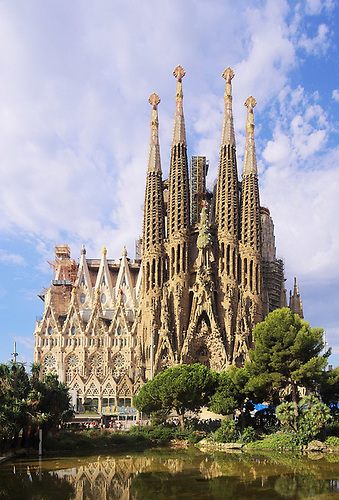 It would never get built nowadays……the eccentric and much-loved Basilica de la Sagrada by Antoni Gaudi in Barcelona.