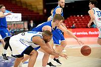 27-02-2021: Basketbal: Donar Groningen v Den Helder Suns: Groningen Donar speler Juwann James komt niet bij de bal