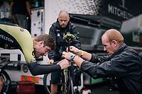 Luke Durbridge (AUS/Mitchelton-Scott) with some minor late adjustments to the saddle before starting his warm-up routine<br /> <br /> Stage 20 (ITT): Saint-Pée-sur-Nivelle >  Espelette (31km)<br /> <br /> 105th Tour de France 2018<br /> ©kramon