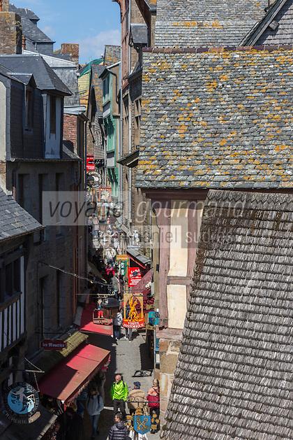 Europe/France/Normandie/Basse-Normandie/50/Manche: Baie du Mont Saint-Michel, classée Patrimoine Mondial de l'UNESCO, Le Mont Saint-Michel  , la grande rue // Europe/France/Normandie/Basse-Normandie/50/Manche: Bay of Mont Saint Michel, listed as World Heritage by UNESCO,  The Mont Saint-Michel, the long street
