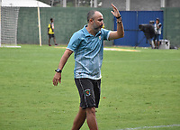 MONTERÍA - COLOMBIA ,20-10-2018: Flavio Robatto director técnico de Jaguares de Córdoba reacciona durante  partido contra el Independiente Medellín  partido por la fecha 16 de la Liga Águila II 2018 jugado en el estadio Municipal Jaraguay de Montería . / Flavio Robatto coach of Jaguares de Córdoba reacts during match against Independiente Medellín match for the date 16 of the Liga Aguila II 2018 played at Municipal Jaraguay Satdium in Monteria City . Photo: VizzorImage /Andrés Felipe López  / Contribuidor.