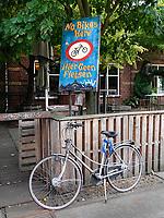 Nederland Amsterdam  -  Augustus 2018.  Westergasfabriek. No Bikes Here. Hier Geen Fietsen.   Foto Berlinda van Dam / Hollandse Hoogte
