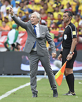 BARRANQUILLA - COLOMBIA - 10-11-2016: Jose Pekerman técnico de Colombia durante partido contra de Chile de la fecha 11 por la clasificación a la Copa Mundial de la FIFA Rusia 2018 jugado en el estadio Metropolitano Roberto Melendez en Barranquilla./  Jose Pekerman coach of Colombia during match against Chile of the date 11 for the qualifier to FIFA World Cup Russia 2018 played at Metropolitan stadium Roberto Melendez in Barranquilla. Photo: VizzorImage/ Gabriel Aponte / Staff