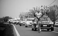 Milan-San Remo 2012.raceday.Peter Velits getting things sorted