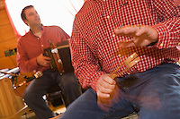"""Amérique/Amérique du Nord/Canada/Québec/Mauricie/Trois Rivières:  """"Chez Dany""""  à """"La Cabane à Sucre""""  """"Chez Dany""""  à """"La Cabane à Sucre"""" musique traditionnelle pendant le repas"""