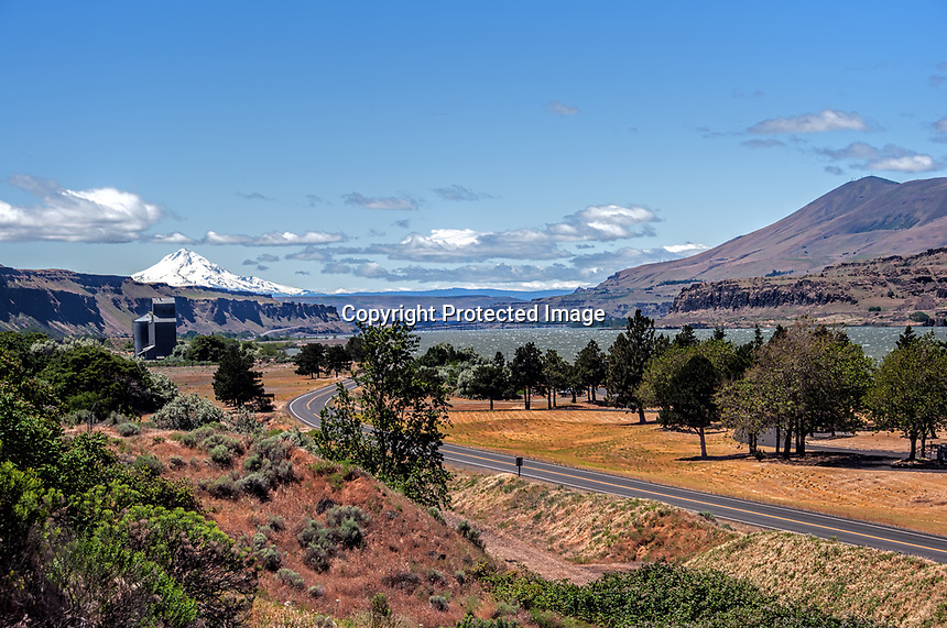 A small park area beneath the John Day Dam on the Columbia River, as it flows toward the entrance to the gorge between the states of Oregon and Washington.