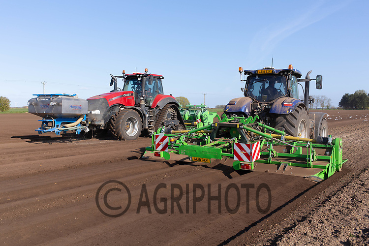 21-4-2021 Bed forming and planting potatoes in the Lincolnshire Fens <br /> ©Tim Scrivener Photographer 07850 303986<br />      ....Covering Agriculture In The UK....