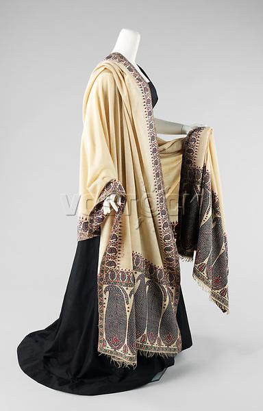 Shawl, ca. 1851–1875.<br /> <br /> Wool, silk.<br /> Inv. Nr. 2009.300.2338<br /> New York, Metropolitan Museum of Art.