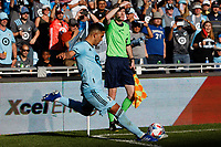 ST PAUL, MN - AUGUST 14: Emanuel Reynoso #10 of Minnesota United FC takes a corner kick during a game between Los Angeles Galaxy and Minnesota United FC at Allianz Field on August 14, 2021 in St Paul, Minnesota.