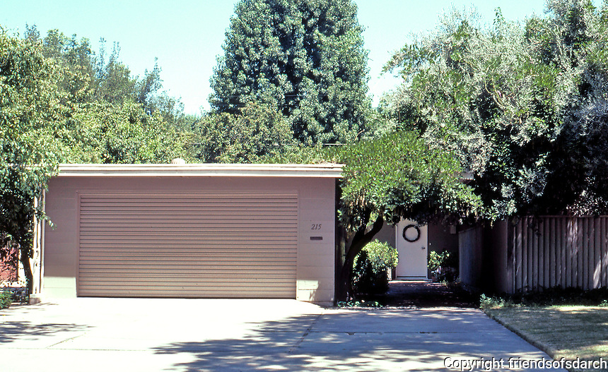 """Modesto CA: Heckendorf House, 215 E. Patricia Lane, 1939. """"Remains a classic of modern architecture"""". (Maybe, if you could see it.)"""