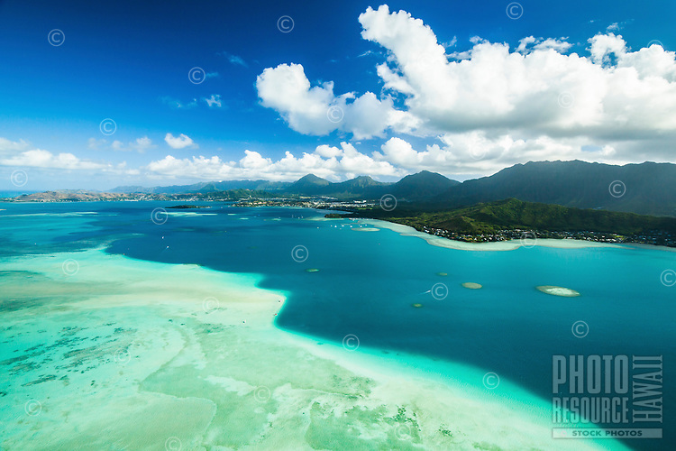 An aerial view of the Kane'ohe Sandbar, Windward O'ahu.