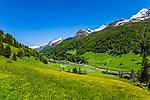 Italy, South Tyrol (Trentino - Alto Adige), Prettau (Predoi) at valley end of  Tauferer Ahrntal (Valli di Tures e Aurina), at background Venediger Group mountains | Italien, Suedtirol (Trentino - Alto Adige), Prettau:  am Ende des Ahrntals, Italiens noerdlichste Gemeinde im Naturpark Rieserferner-Ahrn, im Hintergrund die Berge der Grossvenedigergruppe