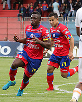 PASTO -COLOMBIA, 15-04-2018: Edinson Toloza (Izq) jugador del Deportivo Pasto celebra después de anotar un gol a Envigado FC durante partido por la fecha 15 de la Liga Águila II 201/ jugado en el estadio La Libertad de Pasto. / Edinson Toloza (L)  player of Deportivo Pasto celebrates after scoring a goal to Envigado FC during match for the date 15 of Aguila League II 2018 played at La Libertad stadium in Pasto. Photo: VizzorImage / Leonardo Castro / Cont