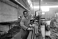 - Senegalese immigrant working in a metal and mechanics industry....- immigrato senegalese lavora in una industria metalmeccanica