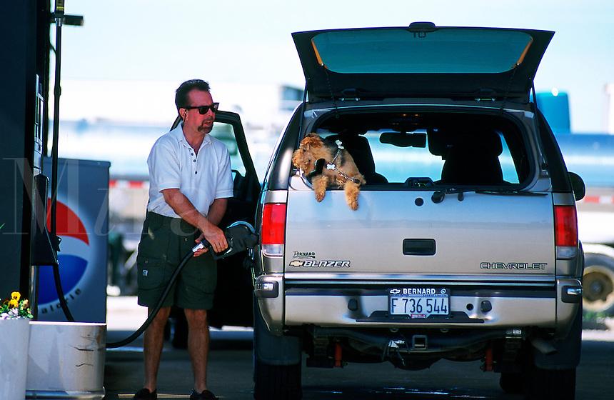 SUV fueling u