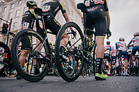 Team Mitchelton-Scott on the startline<br /> <br /> Stage 8: London to London (77km)<br /> 15th Ovo Energy Tour of Britain 2018