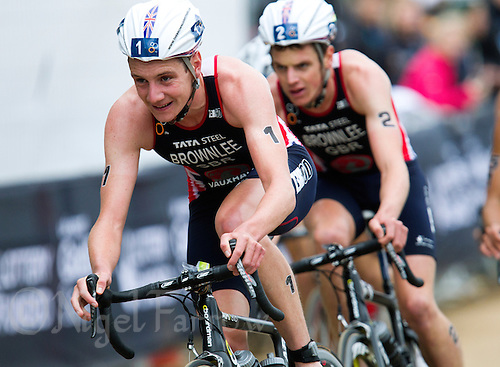 15 SEP 2013 - LONDON, GBR - Alistair Brownlee (GBR) (left) of Great Britain leads his brother Jonathan Brownlee (GBR) (right) also of Great Britain during the bike at the elite men's ITU 2013 World Triathlon Series Grand Final in Hyde Park, London, Great Britain (PHOTO COPYRIGHT © 2013 NIGEL FARROW, ALL RIGHTS RESERVED)