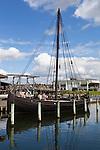 Denmark, Zealand, Roskilde: Viking age replica ship at the Viking Ship Museum | Daenemark, Insel Seeland, Roskilde: Vikingerschiff Nachbau im Wikingerschiffmuseum