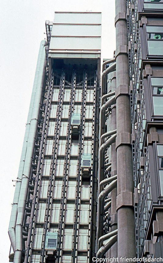 Richard Rodgers: Lloyd's of London, 1981-86. South side--detail.