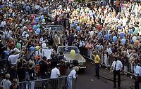 20030609, Alphen aan de Rijn, Huldiging Martin Verkerk  op het bordes van het gemeentehuis ondergaat Martin Verkerk de huldigig voor zijn prestaties op Roland Garros