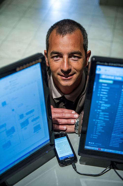 Robert Sansone de la société CAP-SI : 06 99 05 61 97. Société spécialisée dans la prestation de services informatiques - Zone franche urbaine ZFU - Marseille 2013