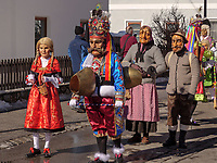 beim Umzug des Nassereither Schellerlauf, Fasnacht in Nassereith, Bezirk Imst, Tirol, Österreich, Europa, immaterielles UNESCO Weltkulturerbe<br /> parade of  Nassereither Schellerlauf-Fasnacht, Nassereith, Tyrol, Austria Europe, Intangible World Heritage