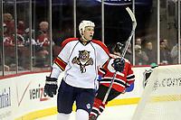 Nathan Horton (Panthers)<br /> New Jersey Devils vs. Florida Panthers<br /> *** Local Caption *** Foto ist honorarpflichtig! zzgl. gesetzl. MwSt. Auf Anfrage in hoeherer Qualitaet/Aufloesung. Belegexemplar an: Marc Schueler, Am Ziegelfalltor 4, 64625 Bensheim, Tel. +49 (0) 6251 86 96 134, www.gameday-mediaservices.de. Email: marc.schueler@gameday-mediaservices.de, Bankverbindung: Volksbank Bergstrasse, Kto.: 151297, BLZ: 50960101