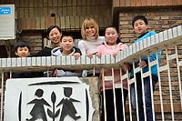 """Swiss singer and TV presenter Francine Jordi visiting """"SOS Kinderdorf"""" in Tianjin, China. 22-Mar-2016"""