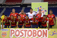 BARRANQUILLA - COLOMBIA -04 -11-2013: Los jugadores del Universidad Autonoma, posan para una foto durante partido por la fecha 3 de los cuadrangulares semifinales del Torneo Postobon II-2013, jugado en el estadio Metropolitano Roberto Melendez de la ciudad de Barranquilla. / The players of Universidad Autonoma pose for a photo during a match for the 3 date of the quadrangular semifinals of the Postobon Tournament II-2013 at the Metropolitano Roberto Melendez Stadium in Barranquilla city, Photo: VizzorImage  / Alfonso Cervantes / Str.