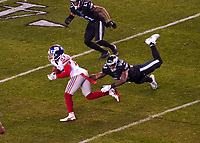 wide receiver Sterling Shepard (87) of the New York Giants gegen outside linebacker Nigel Bradham (53) of the Philadelphia Eagles - 09.12.2019: Philadelphia Eagles vs. New York Giants, Monday Night Football, Lincoln Financial Field