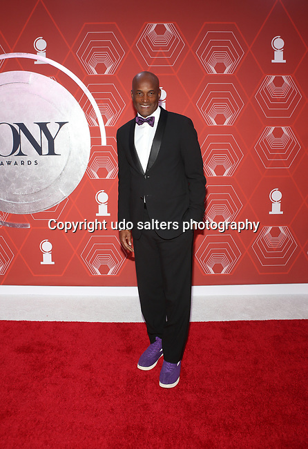 Kenny Leon attends the 74th Tony Awards-Broadway's Back! arrivals at the Winter Garden Theatre in New York, NY, on September 26, 2021. (Photo by Udo Salters/Sipa USA)