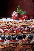 Cuisine/Gastronomie générale: Millefeuille aux fruits rouges