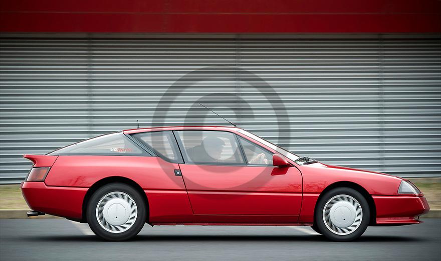 7/11/18 - SAINT REMY DE CHARGNAT - PUY DE DOME - FRANCE - Essais RENAULT ALPINE V6 GT TURBO de 1986 - Photo Jerome CHABANNE