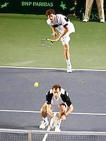 7-4-07, England, Birmingham, Tennis, Daviscup England-Netherlands, Jaimie Murray servert over Grag Rusedski