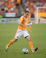 Houston Dynamo midfielder Brian Mullan (9). The Houston Dynamo tied the Columbus Crew 1-1 in a regular season MLS match at Robertson Stadium in Houston, TX on August 25, 2007.