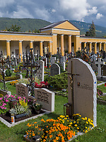 Friedhof in Bruneck, Region Südtirol-Bozen, Italien, Europa<br /> cemetery, Bruneck, Region South Tyrol-Bolzano, Italy, Europe