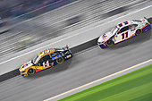 #14: Clint Bowyer, Stewart-Haas Racing, Ford Mustang Rush Truck Centers/Mobil 1, #11: Denny Hamlin, Joe Gibbs Racing, Toyota Camry FedEx Express