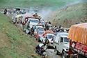 Iraq 1991 The Iraqi Kurds on their way to the border of Haj Omran, fleeing from the Iraqi army   Irak 1991  Les Kurdes irakiens fuyant l'armee irakienne, en route pour Haj Omran a la frontiere iranienne
